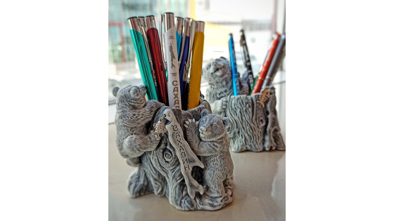 Стаканы для карандашей и ручек
