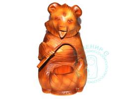 Медведь деревянный резной с корзинкой