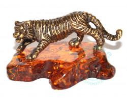 Тигр идущий на подставке