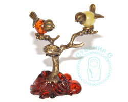 Птички на дереве с гнездом