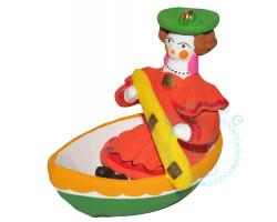 Барыня в лодке Дымка