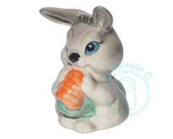 Заяц с морковкой фарфор